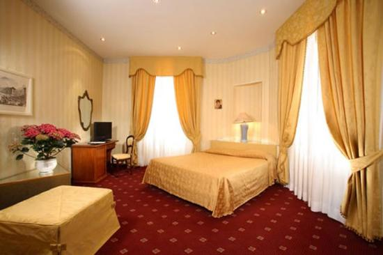 Photo of Hotel Viminale Rome