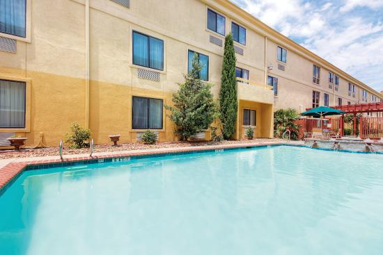 La Quinta Inn Dallas LBJ/Central