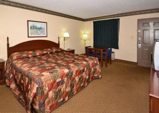 Photo of Econo Lodge Inn And Suites East Knoxville