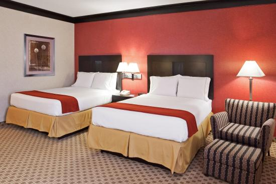 Holiday Inn Express Cleveland Oakwood Village