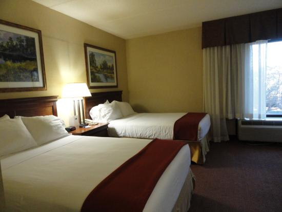 Photo of Holiday Inn Express Forsyth