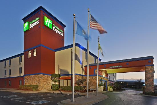Photo of Holiday Inn Express Central Tulsa