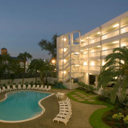 Casa Del Mar Beachfront Suites Photo