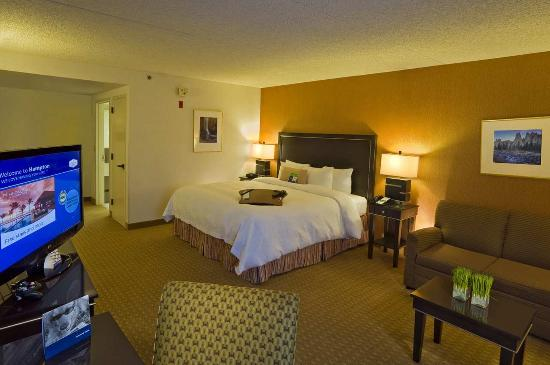 Hampton Inn Portland Airport