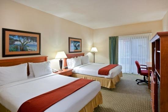 Triple Play Resort Hotel &Suites