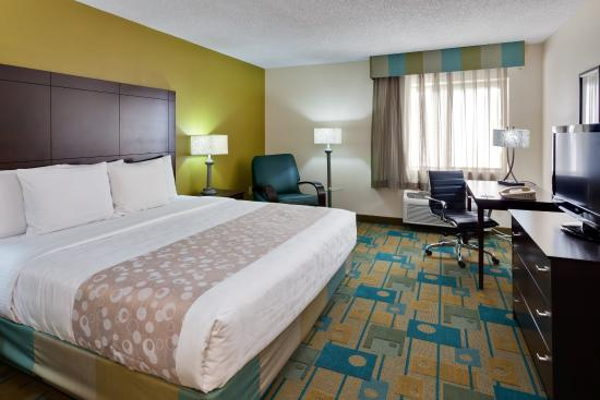 microtel inn suites by wyndham plattsburgh ny hotel. Black Bedroom Furniture Sets. Home Design Ideas