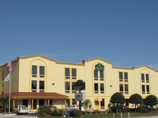 La Quinta Inn & Suites St. Petersburg Northeast