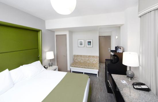 Photo of Holiday Inn Express Hotel Cass Chicago