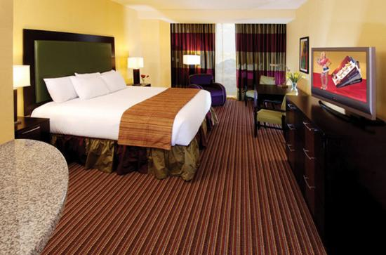 petite jacuzzi and premeir jacuzzi suites picture of eastside cannery casino hotel las. Black Bedroom Furniture Sets. Home Design Ideas