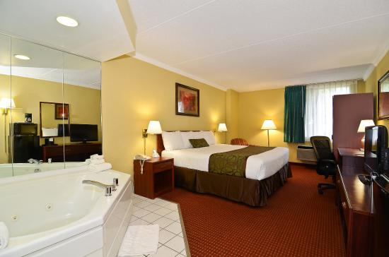 Photo of Best Western Waukesha Grand Pewaukee