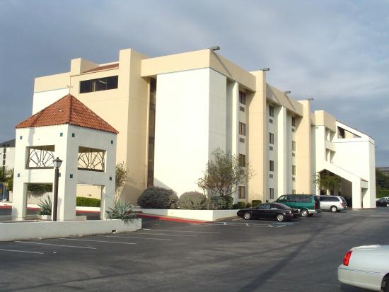 Photo of La Quinta Inn & Suites Austin North