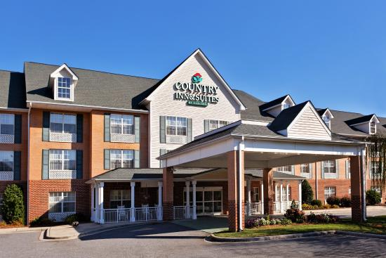 Photo of Country Inn & Suites University Place Charlotte