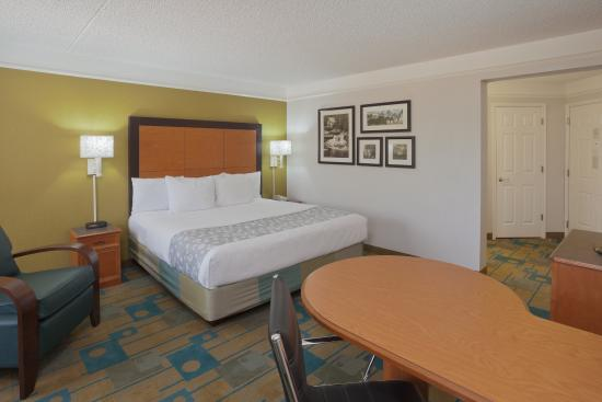 Photo of La Quinta Inn & Suites Fort Worth North #950 Haltom City