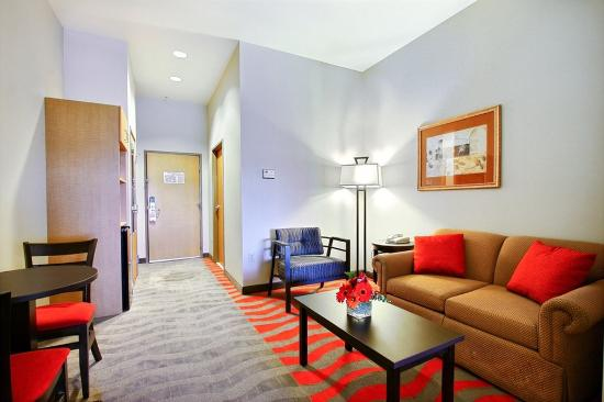 Photo of Holiday Inn Express & Suites Boise West - Meridian