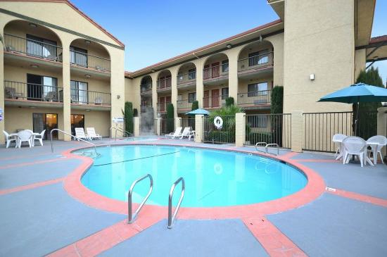 Photo of BEST WESTERN PLUS Executive Inn & Suites Manteca