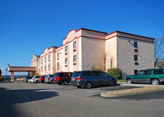 Photo of Comfort Suites Airport Alcoa