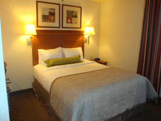 Candlewood Suites Bloomington-Normal