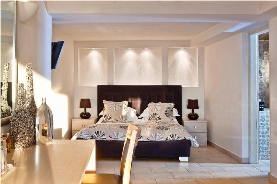 Photo of Adamant Suites Fira