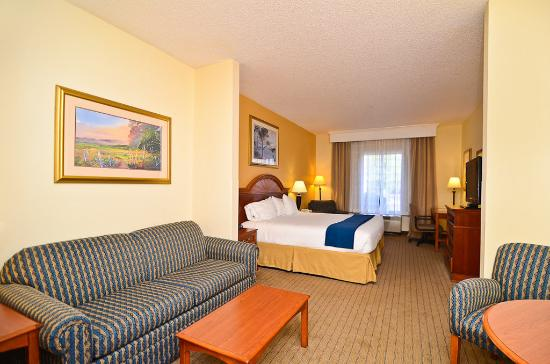 Photo of Holiday Inn Express Hotel & Suites Chattanooga