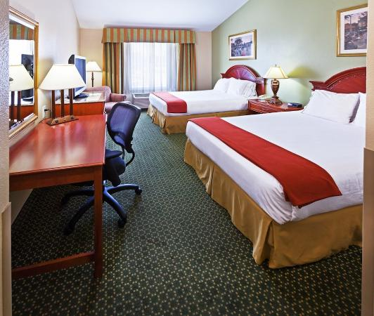 Holiday Inn Express & Suites Arlington, TX