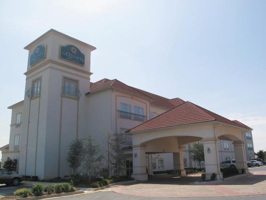 Photo of La Quinta Inn & Suites Shawnee