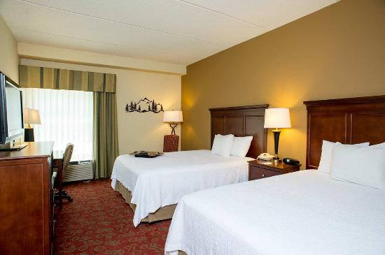 Hampton Inn & Suites Pigeon Forge on the Parkway Photo