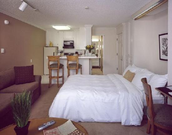 Photo of Oakwood Apartments - Woodland Hills Los Angeles
