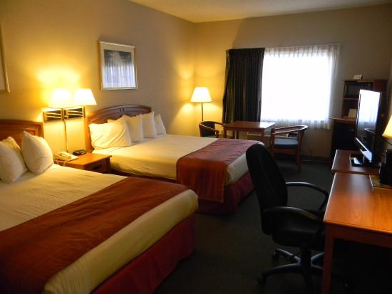 Photo of BEST WESTERN Governors Inn & Suites Wichita