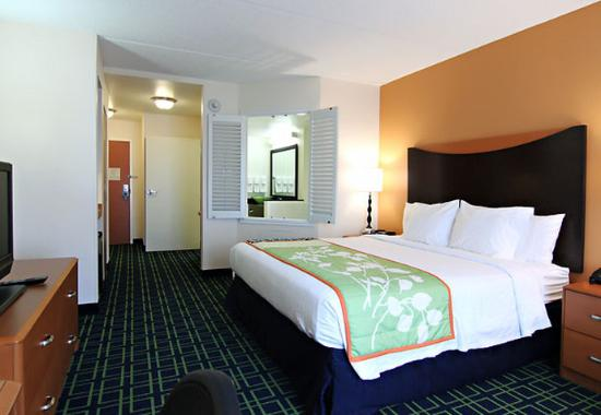 Fairfield Inn & Suites by Marriott Lexington North