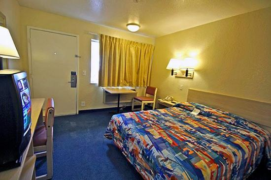 Motel 6 Tampa Downtown