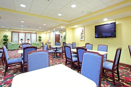 Photo of Holiday Inn Express Richmond Airport Sandston