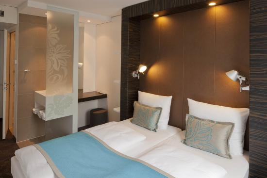 Motel One Koeln - West