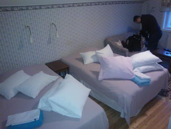 Sastamala, Finland: 2 separate 120 cm beds take up most of the space of the room