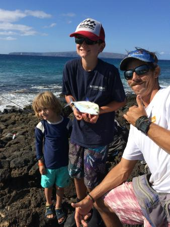 Trio bluefin trevally picture of maui shore fishing for Maui fishing report