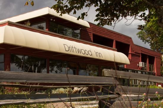 The Driftwood Inn: side facing the sea