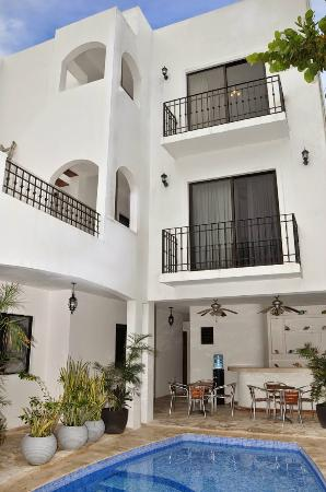 Chac Chi Hotel & Suites