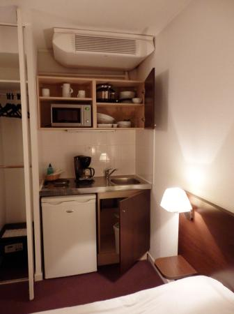 La kitchenette meuble ouvert photo de adagio access for Meuble kitchenette