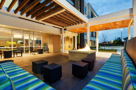 Patio With Bbq Grill Picture Of Home2 Suites By Hilton Omaha West Ne Omaha Tripadvisor