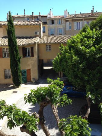 Photo of Hotel Le Manoir Aix-en-Provence