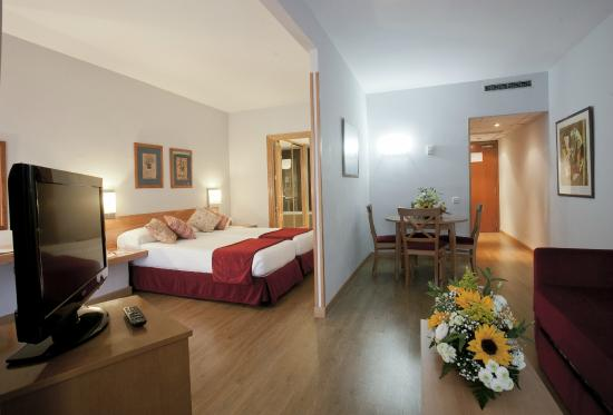 Photo of Aparto Suites Muralto Madrid