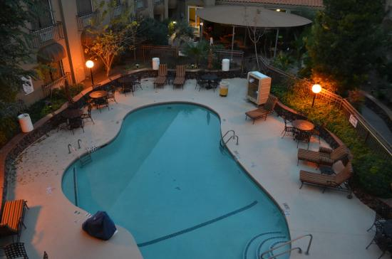 Great Looking Outdoor Pool Area Picture Of Radisson Hotel El Paso Airport El Paso Tripadvisor