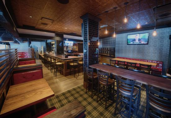 Great pub atmosphere review of elephant and castle for Pool spa show winnipeg
