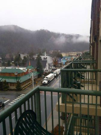 hotels on the strip in gatlinburg