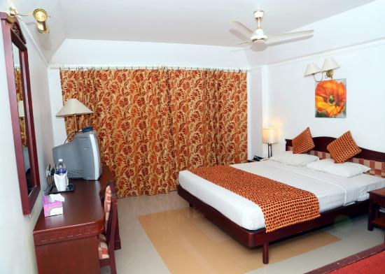 Golf View Hotel & Suites