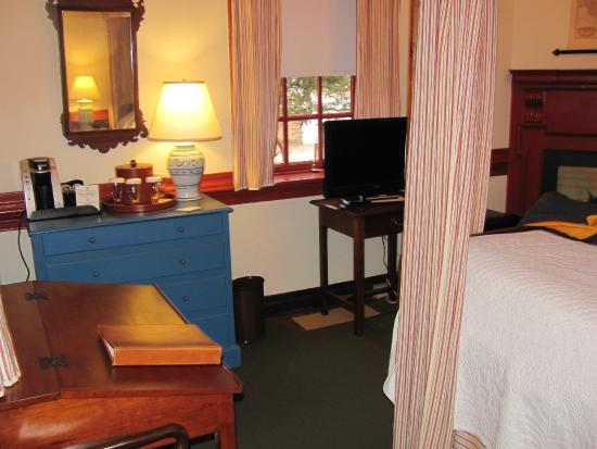 Colonial Bed And Breakfasts