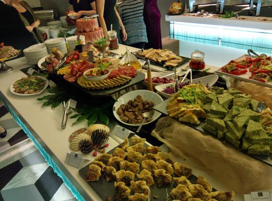 Buffet de pates du nouvel an picture of the tabloid sliema tripadvisor - Idee buffet nouvel an ...