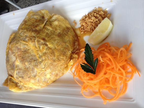 Pad Thai Omelette - Picture of Thai Delight Restaurant, Taupo ...