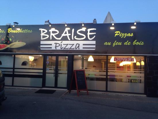 Ext rieur du restaurant picture of braise pizza brest for Four pizza exterieur