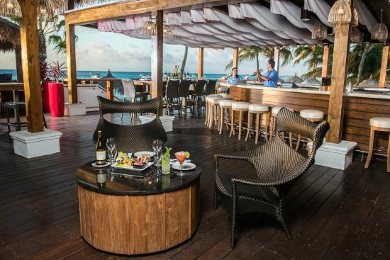 Sea Breeze Restaurant & Bar