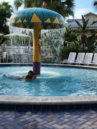 Tropical Palms Resort and Campground: Piscina Infantil
